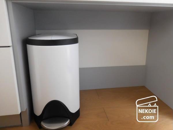 ゴミ箱の定期掃除と、袋の収納見直し。