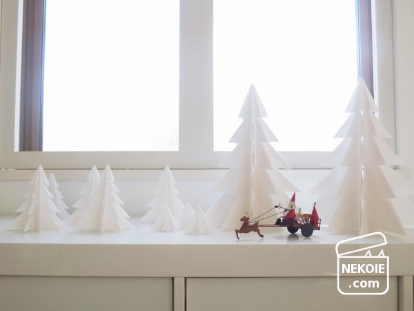 今年も手づくり、白いツリーとシュトレンと。