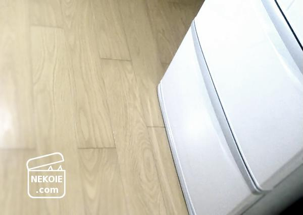 ファミリーサイズの冷蔵庫、移動と掃除。