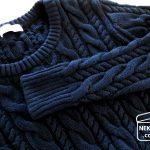 シャツワンピに、セーターをプラス。