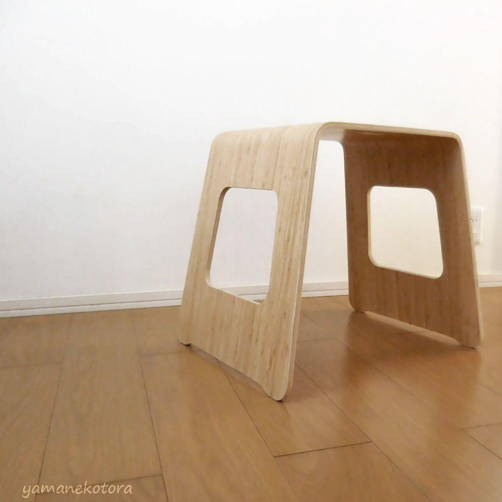 IKEA*テーブル兼スツールの、ネコハウス。