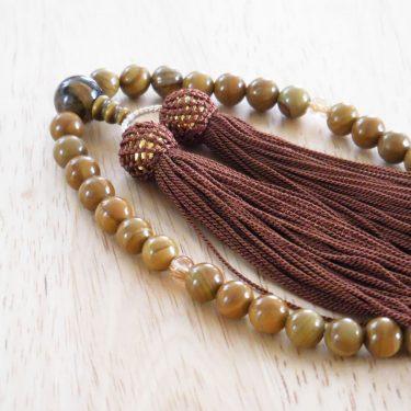 手づくりの略式数珠は、キジトラ風。